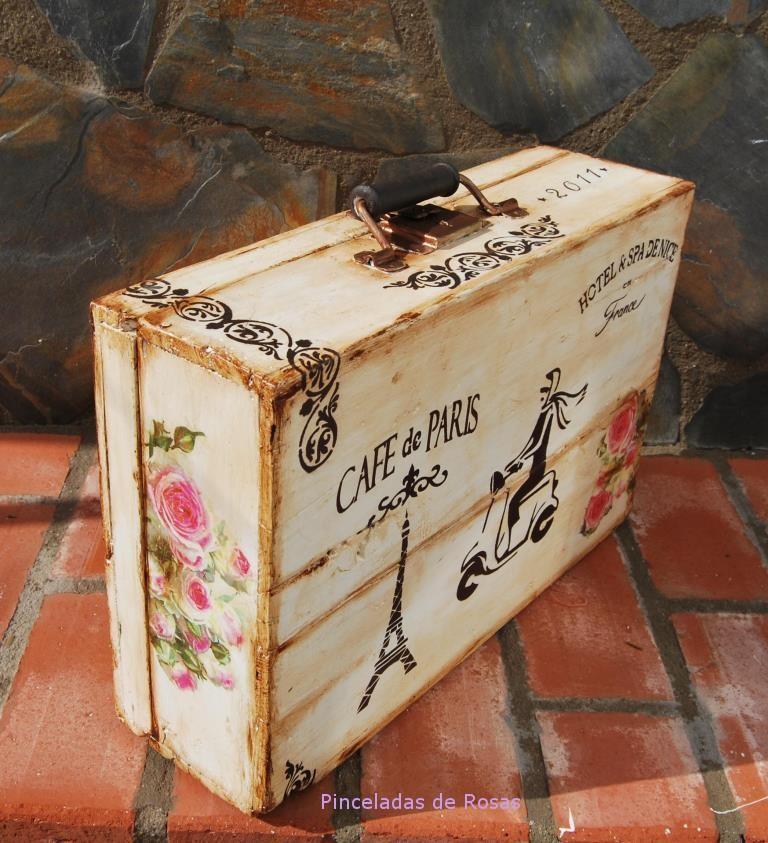 Maleta viajera pinceladas de rosas for Maletas vintage decoracion