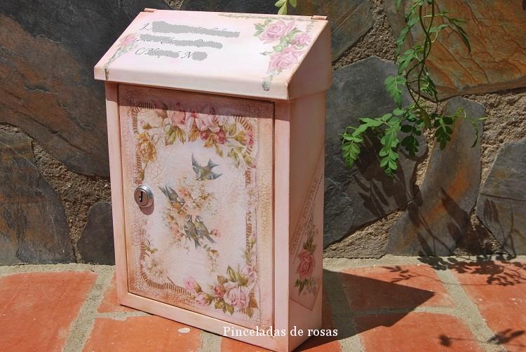 Buz n cl sico de estilo vintage total pinceladas de rosas - Buzon vintage ...